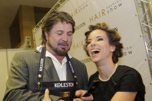 http://lh4.ggpht.com/_W0wCoXzGQ9Y/SpbutIY1wxI/AAAAAAAABKI/6aHIf2T3izU/hair_fashion_0209.JPG