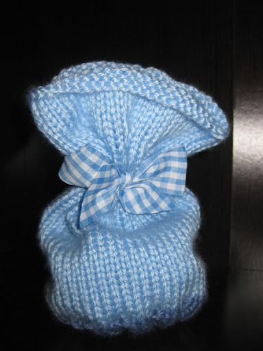 Allie Kay Designs was kind enough to make me this ADORABLE blue beanie: