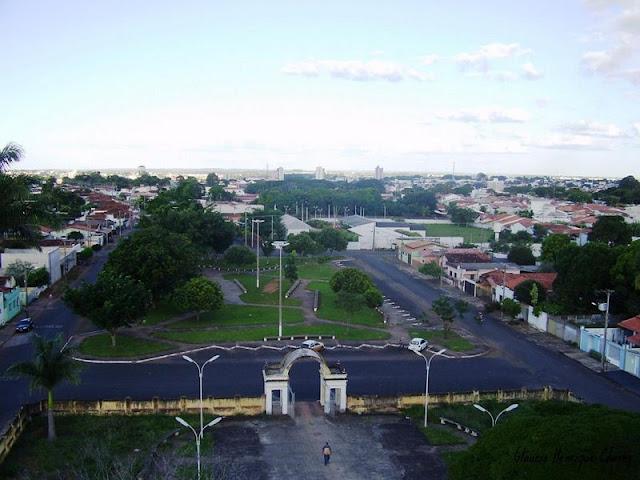 Araguari, a bela do Triângulo Mineiro EF8_MC