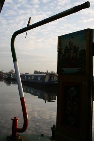 [Nov 10 Barge holiday Middlewich 026[1].jpg]
