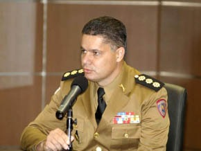 [coronel_luis_carlos_dias_martins_microfone[3].jpg]