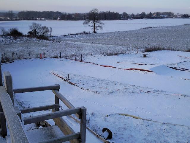 Le circuit sous la neige le 19.12.2009 Photo0858
