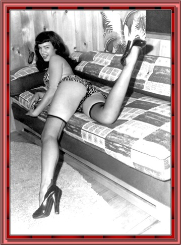 betty_page_(klaws)_058