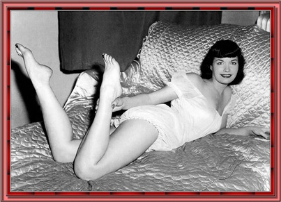 betty_page_(klaws)_135
