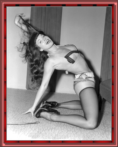 betty_page_(klaws)_024