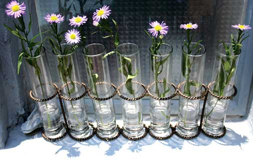 Bud vases for long tables