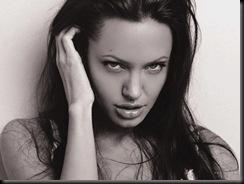 Angelina_Jolie_smaq9_1152