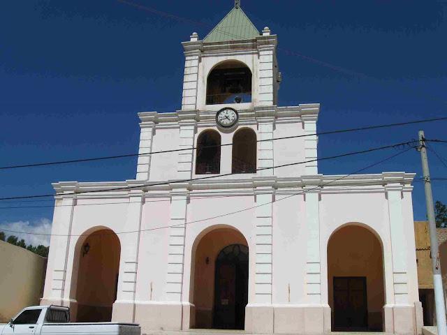 LEJARRETA EN LOS ANDES (2009) 00%2Ciglesia%20de%20Famatina