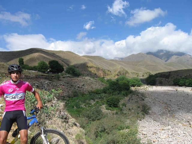 LEJARRETA EN LOS ANDES (2009) 03%2CEzequiel%20km22%20ruta%20a%20Mina%20de%20Oro