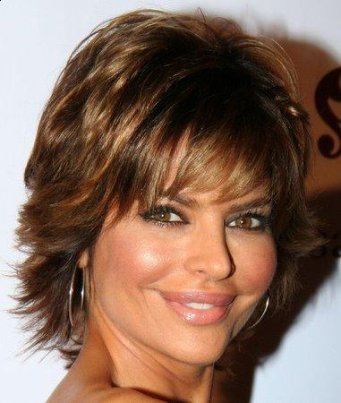 For creating a medium hairstyle, Rinna trims her gorgeous tresses slightly