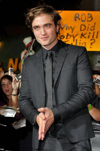 robert pattinson on twilight. Robert Pattinson, of Twilight