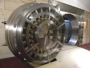 bank-vault-open-door