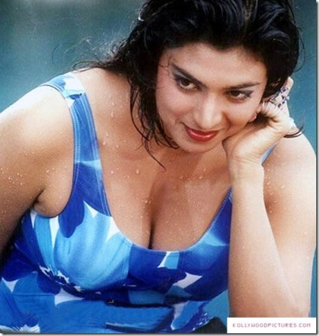 kasthuri-tamil-actress-swimsuit-photos