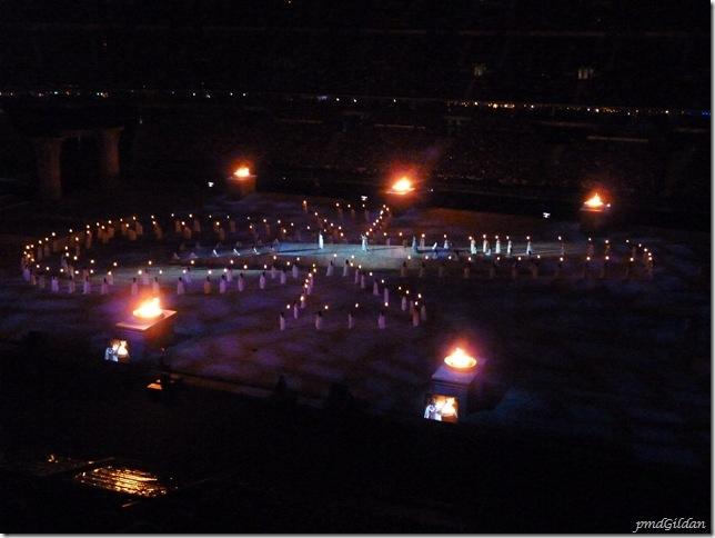 Représentation Aida, Stade De France Oct 2010,Croix égyptienne aux flambeaux