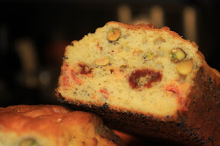 Cake with dried tomatoes, pistaschio and chorizo