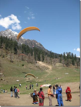 Manali - 03 - Solang paragliders