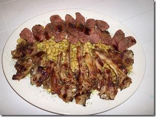 Butifarra y carne con monchetas