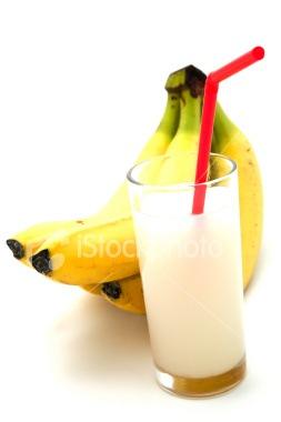 ist2_5870355-banana-juice
