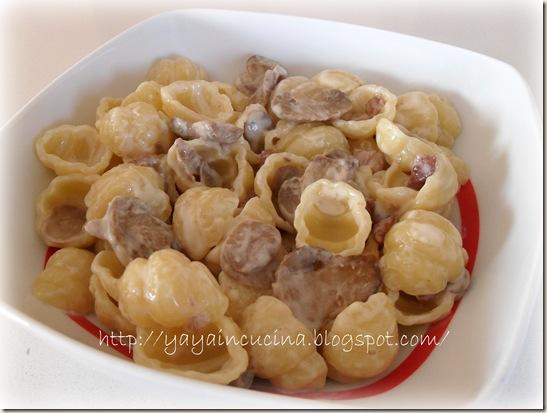 Pasta con pancetta e funghi 005