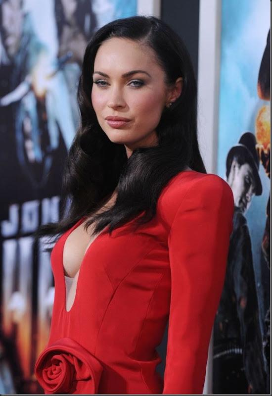 Megan Fox de vestido vermelho (1)