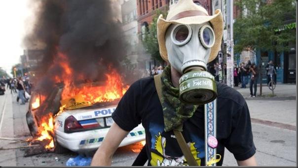 Manifestantes em Toronto contra o G20 (11)