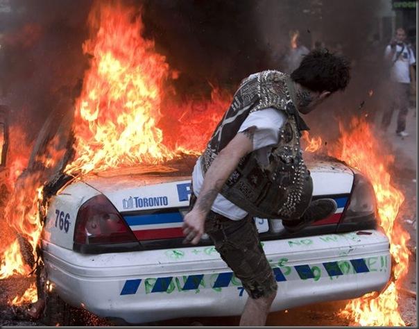 Manifestantes em Toronto contra o G20