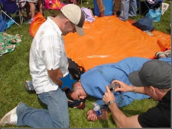 Pessoas totalmente embriagadas em eventos (15)