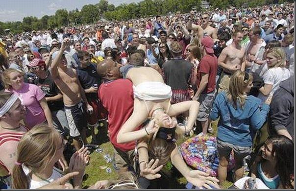 Pessoas totalmente embriagadas em eventos (3)