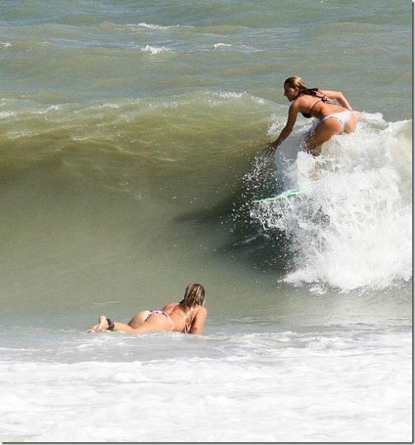 As bundas das surfistas (11)