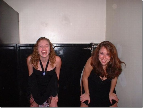 Garotas no banheiro masculino (14)
