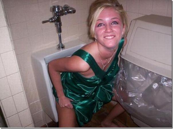 Garotas no banheiro masculino (5)