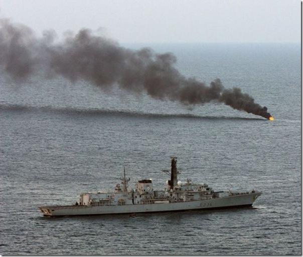 Destruição de um barco de piratas (4)