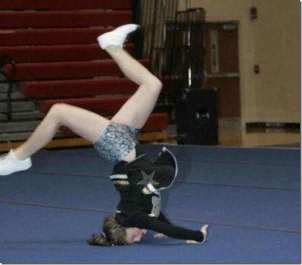 Cheerleaders fail (1)