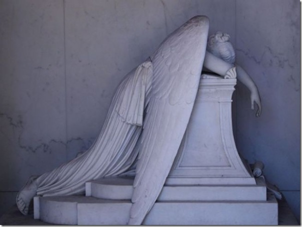 Esculturas no Cemitério (3)