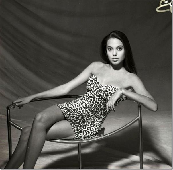 A jovem Angelina Jolie (34)