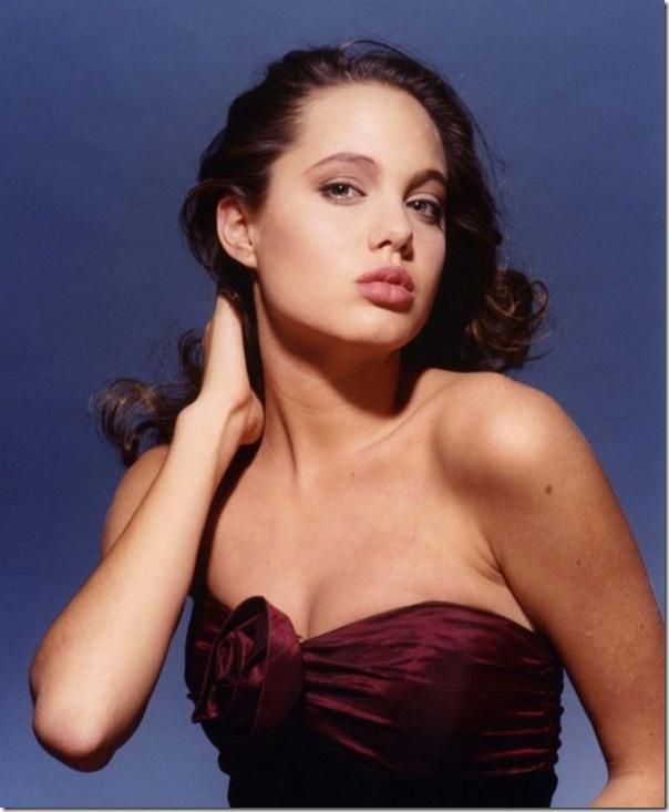 A jovem Angelina Jolie (24)