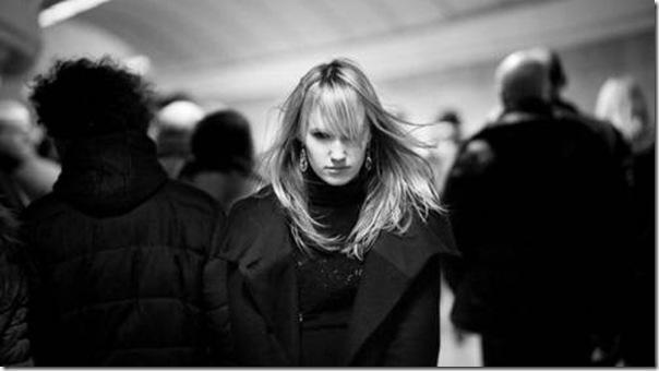 A beleza das garotas em fotos preto e branco (10)