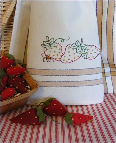 388_FreebieStrawberryTowel