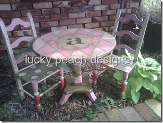 childs%20table%20&%20chair%20set[1]