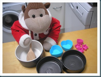 Monkey making cakes 1