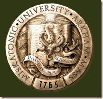 Emblema de la Universidad de Miskatonic