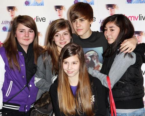 London loves Justin Bieber