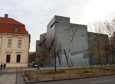 Dwa budynki muzeum