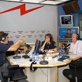 """""""El matí de Catalunya Ràdio"""". Primera tertúlia. Manel Fuentes amb Xavier Sardà i Patricia Gabancho."""