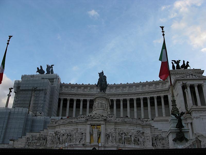 Vista frontal del monument a Vittorio Emmanuelle II