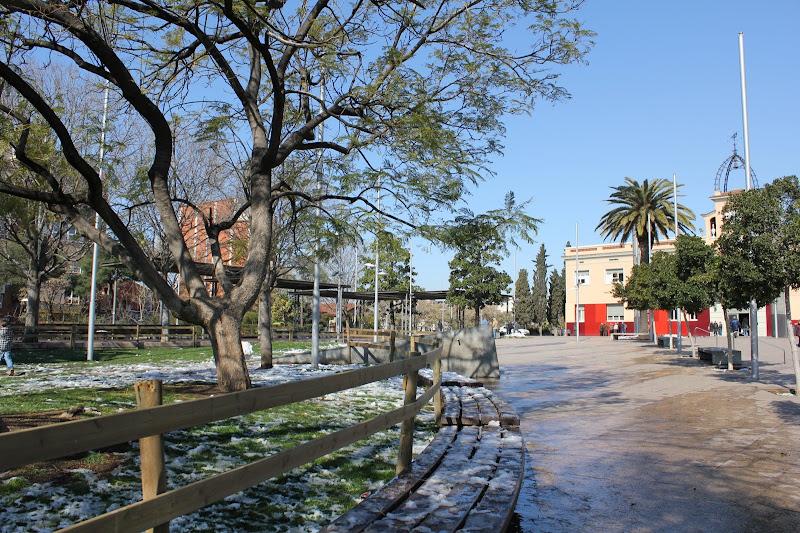 El dia després de la nevada: Plaça de la Vila de Gramenet IV
