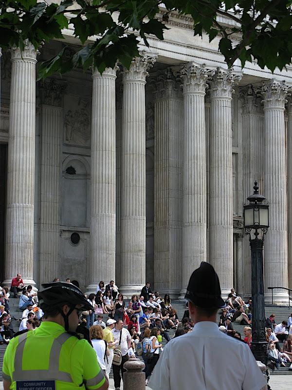 Dinar de negocis a Londres, servei de seguretat