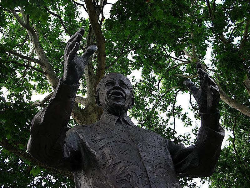 Estàtua de Nelson Mandela