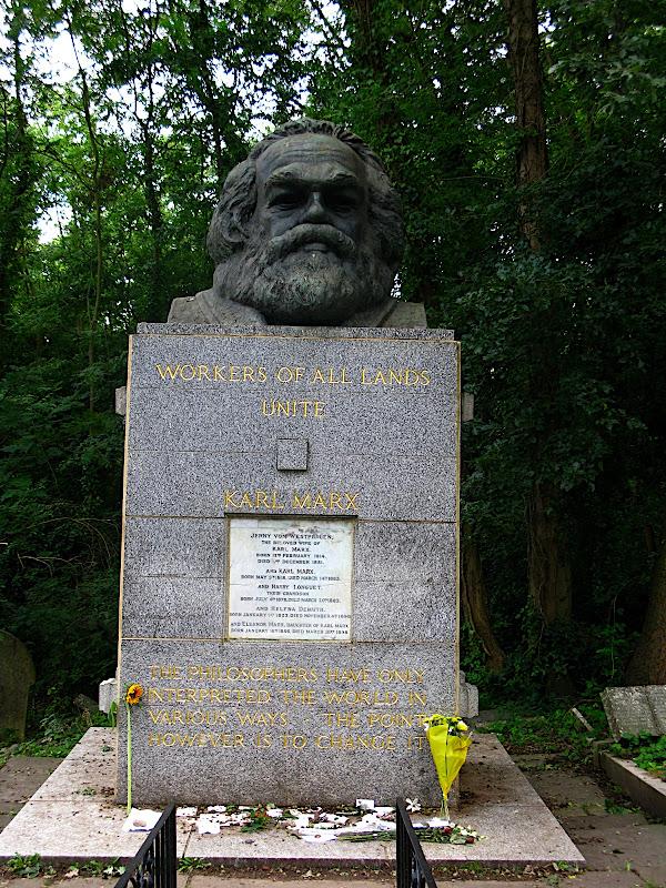 Tomba de Karl Marx al Highgate Cemetery