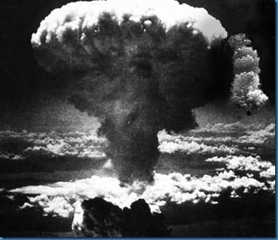 padre-bomba-atomica